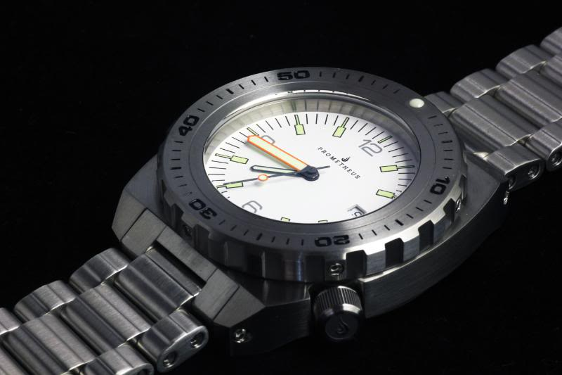 Swiss Made Prometheus Manta Ray Mens Diver Watch White Dial 1L