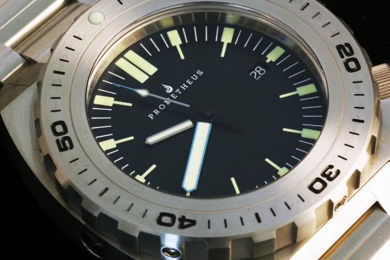 Swiss Made Prometheus Manta Ray Mens Diver Watch Black Dial 1Y