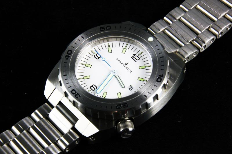 Swiss Made Prometheus Manta Ray Mens Diver Watch White Dial 1H